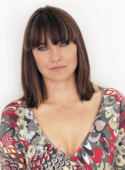 lucy_lawless_summer_